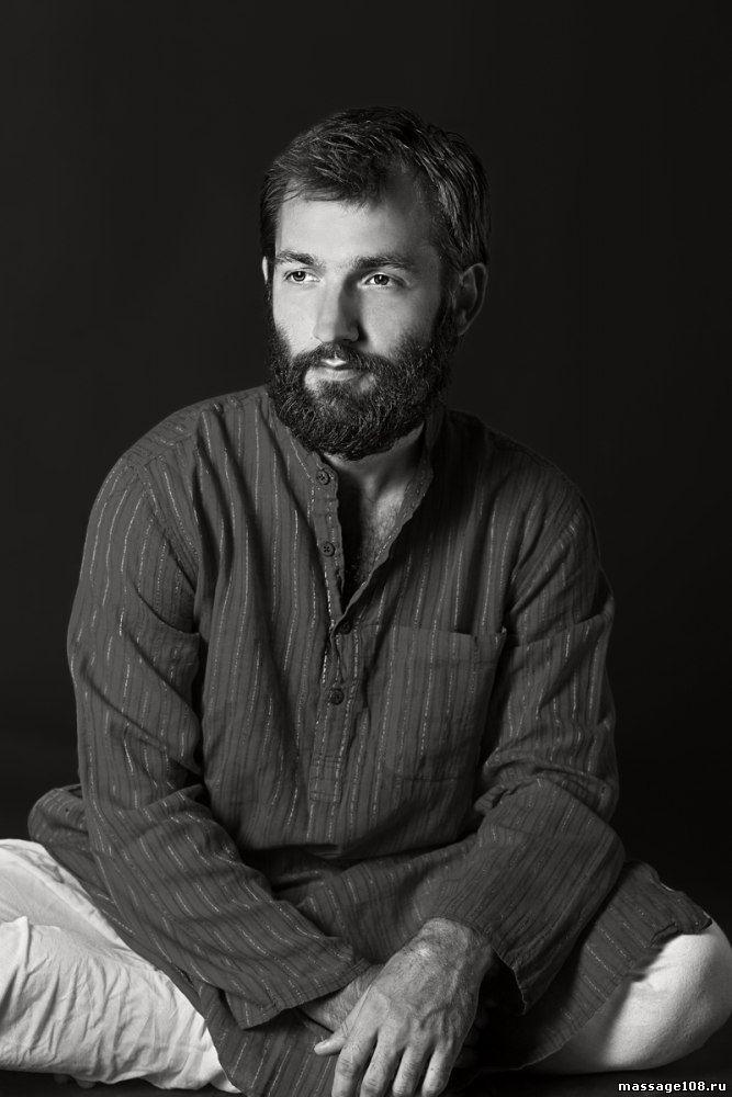 Ульянов Юрий - инструктор тайского йога-массажа
